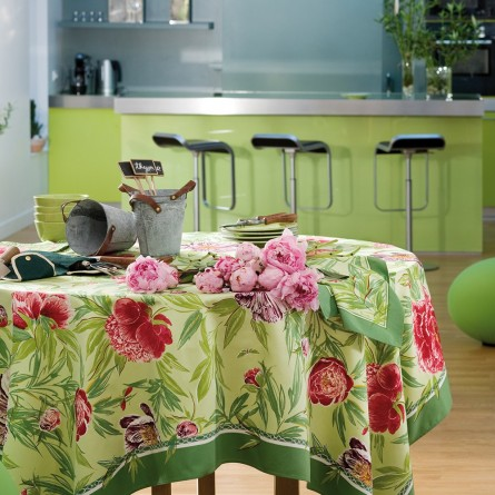 Les Pivoines Tablecloth